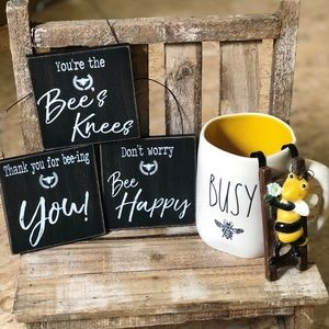 Rae Dunn busy bee mug & bee decor 4 tier tray